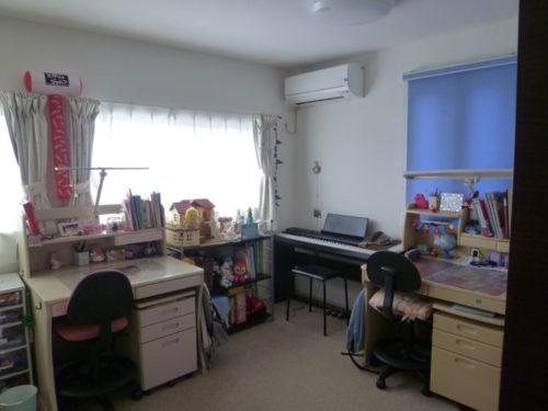 娘部屋の学習机