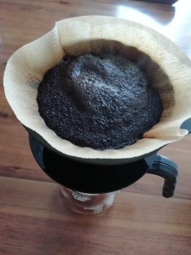 コーヒーをドリップ