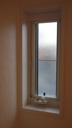 ピアノ室の窓