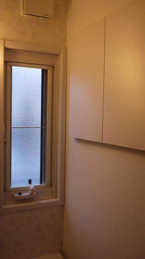 1Fトイレの窓と収納
